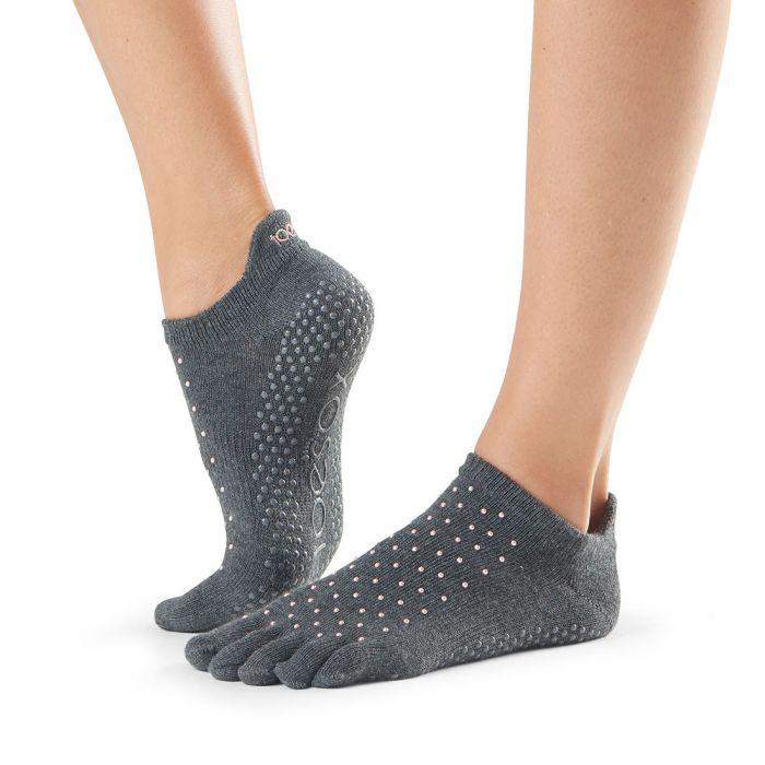prstové ponozky na jogu