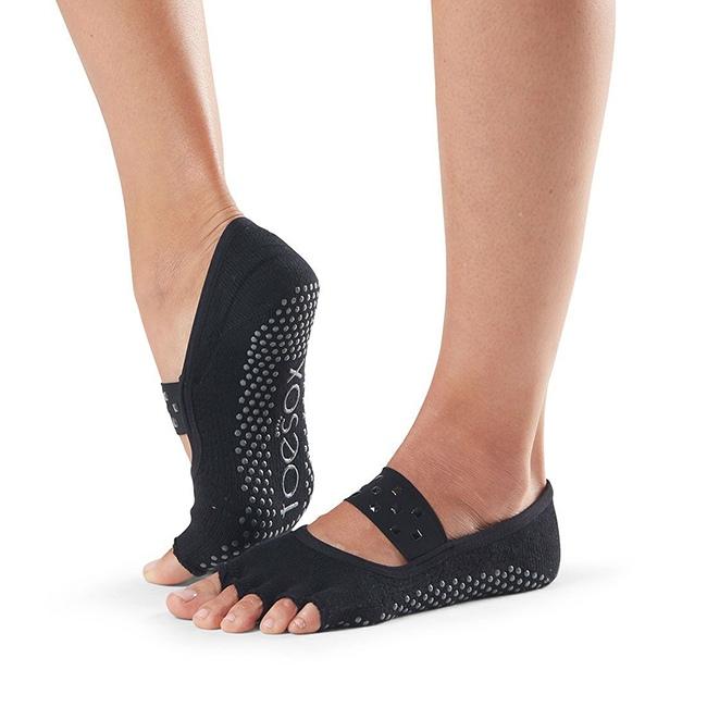 bezprste ponozky na jogu